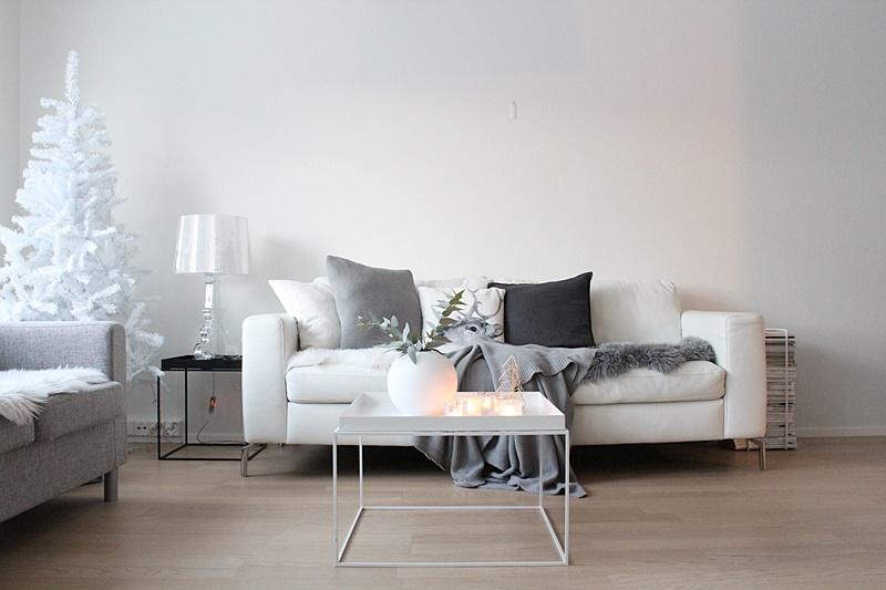 valkoinen olohuone sisustus