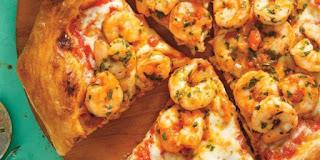 احلي بيتزا الجمبري بالخطوات