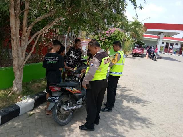 PATROLI 082 BACKBONE POLSEK LENGKONG SASAR PARA PEMUDA GUNA CEGAH KENAKALAN REMAJA