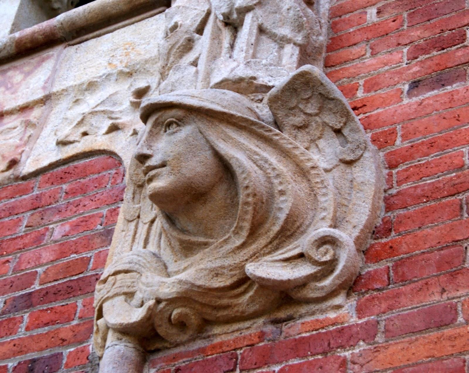 Detall de l'antic Hospital de la Santa Creu i Sant Pau (Barcelona) per Teresa Grau Ros