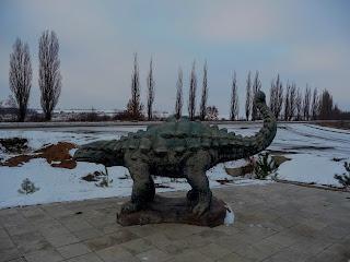 Смотровая площадка РЛП «Клебан-Бык». Скульптуры животных юрского периода