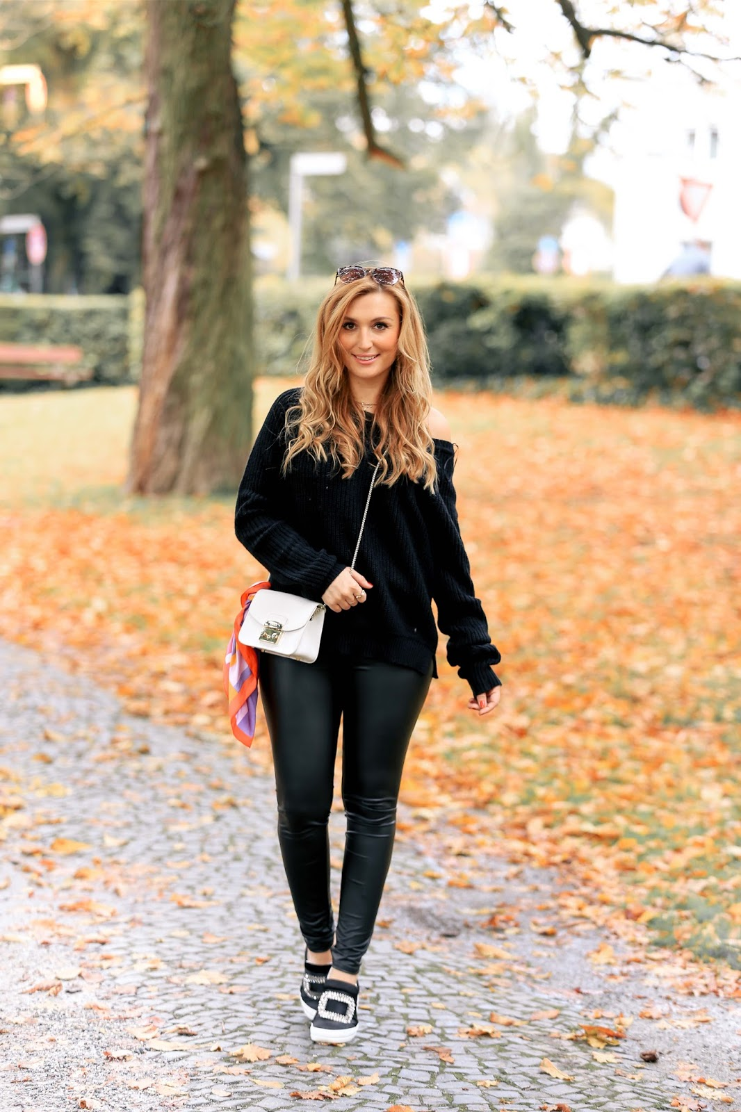 Off-Shoulder-pullover-blogger-style-herbst-herbst-outfit-was-trage-ich-im-herbst-herbst-look-Casual-Friday-XXl-pullover-lederleggin