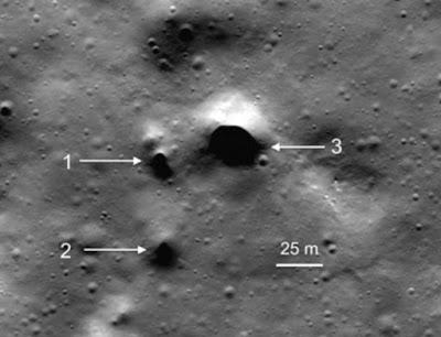 Pintu Masuk Terowongan Terlihat di Permukaan Bulan