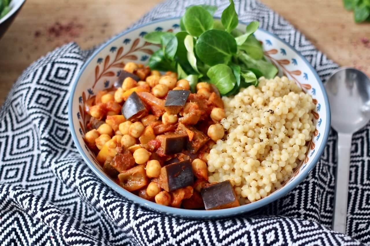 Marokkanische Gemüseeintopf mit Couscous