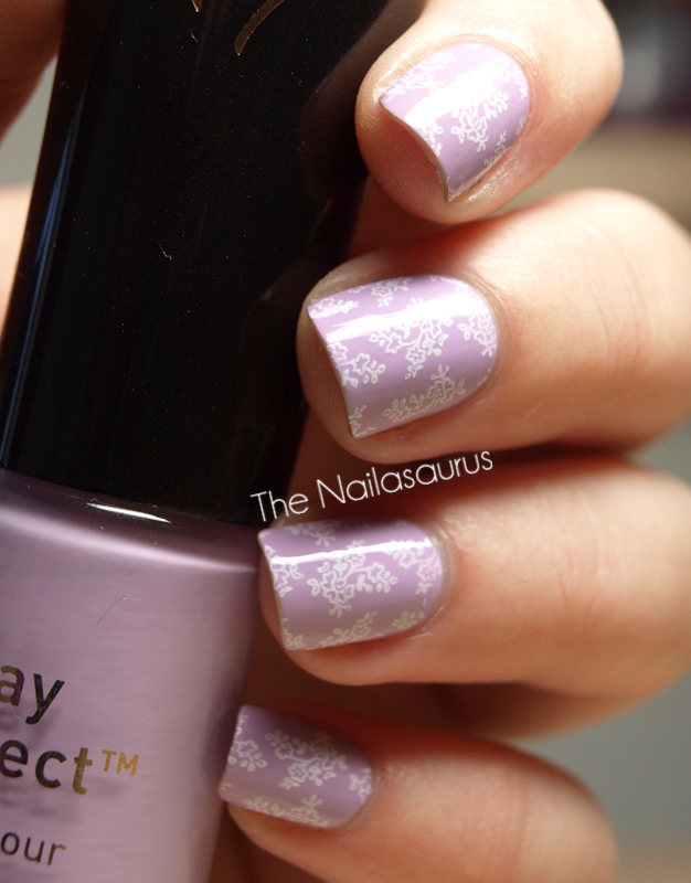 31dc2012 Day 10 Gradient Nails: Day 15: Delicate Print - The Nailasaurus