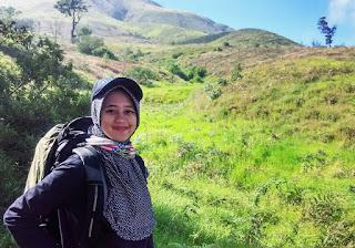 Foto Siska Kusmayanti Pendaki Cantik