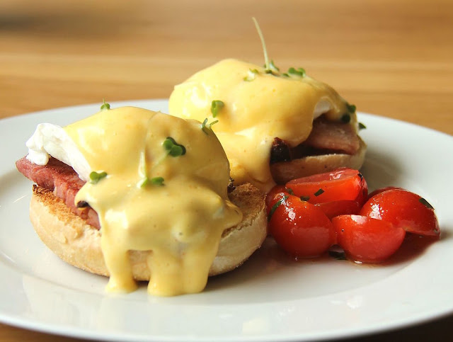 Eggs Benedict Big Breakfast recipe rvrecipe