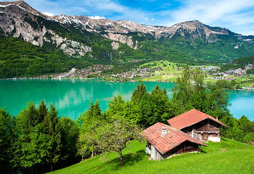 Learn about tourism in Switzerland and its main tourist attractions