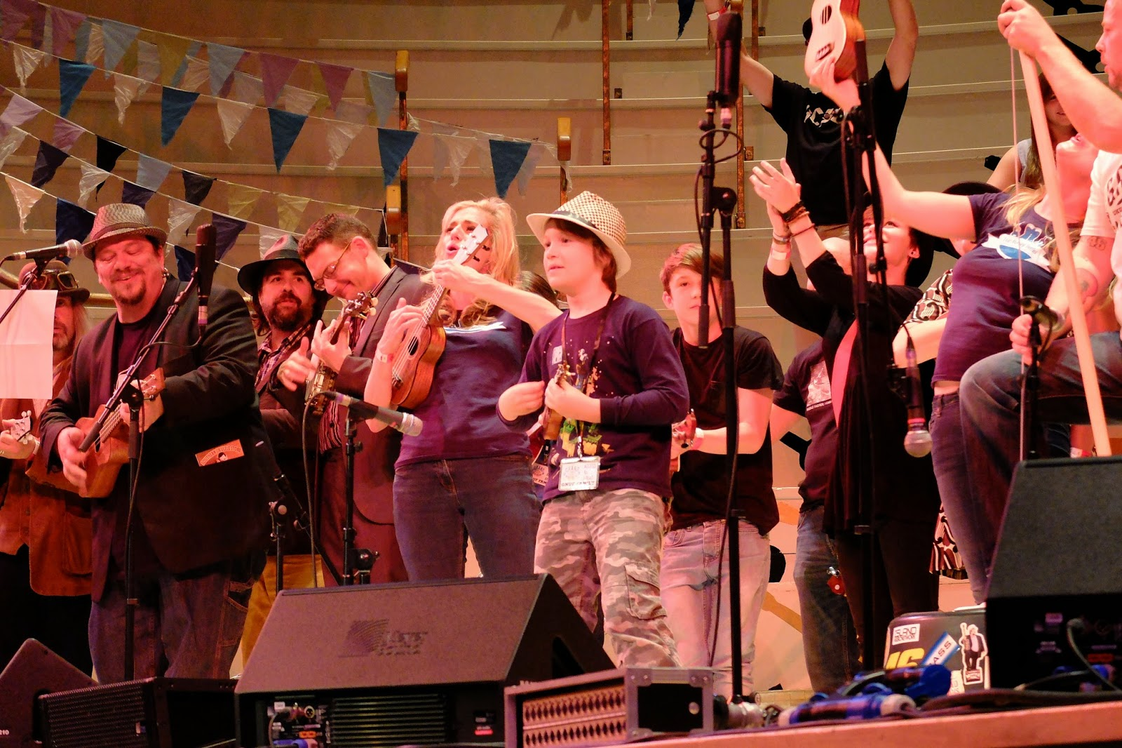 Grand Northern Ukulele Festival #GNUF end of night jam