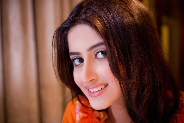 Sweet Nice Girl Wallpaper Hd Wallpapers Sajal Ali