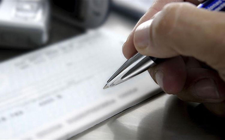 شخص يخدر زوجته لاستغلالها في توقيع شيكات بدون رصيد بفاس