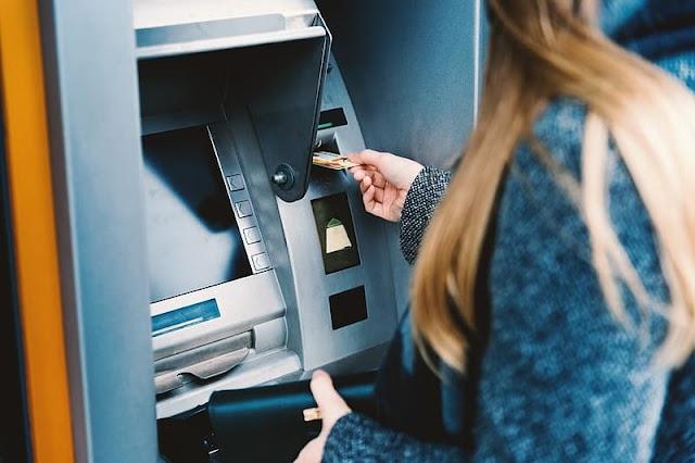 SBI की इस मशीन से भी निकाल सकते हैं कैश, ATM से पैसे निकालने लाइन में खड़े होने की नहीं है जरूरत