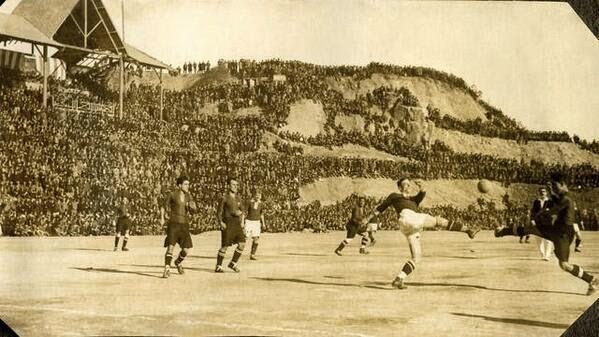 64 Historical Pictures you most likely haven't seen before. # 8 is a bit disturbing! - Camp Nou Stadium, Barcelona, 1925