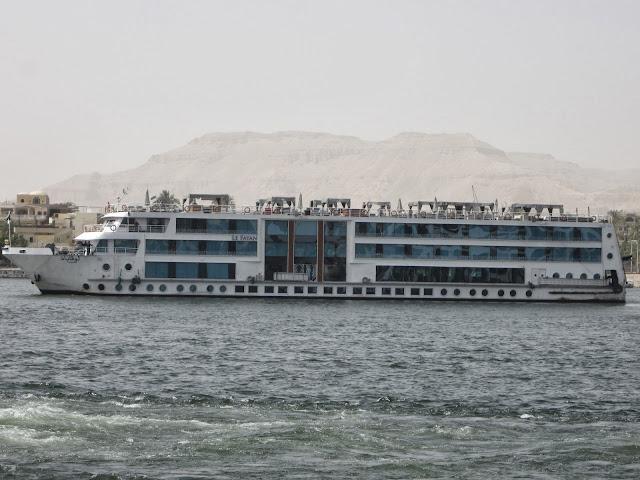 Luxor'dan Aswan gemi