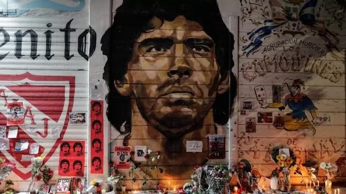Könyv jelent meg Diego Maradona életéről