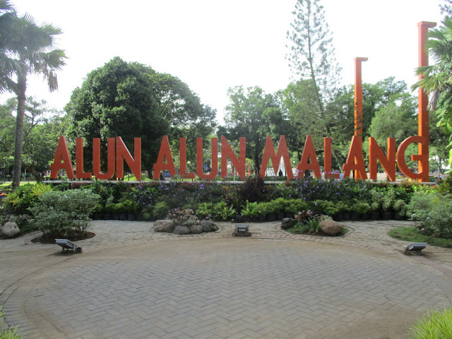 Alun-alun Malang - Promo Paket Tour Malang SIC until 30 Nov 2018 - Include Flight Ticket - Salika Tour Malang