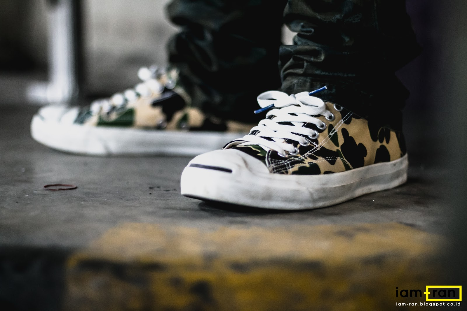 335aee42b6eb Leo on feet. Sneakers   Converse Jack Purcell -