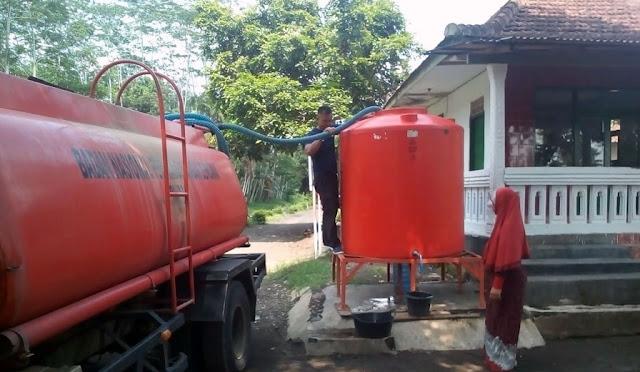 BPBD menyuplai air bersih di Desa Mojosari
