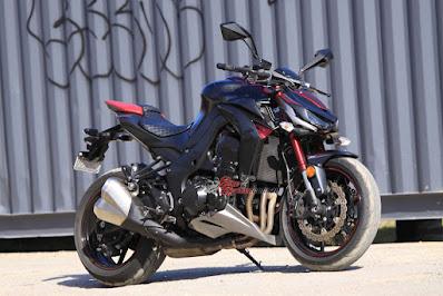 الأن اسعار كوزاكي زد z1000 الجديدة - بالصور سعر ومواصفات موتوسيكل كوازاكي Kawasaki Z1000 الياباني في مصر