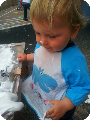 messy play, shaving foam play, baby messy shaving foam
