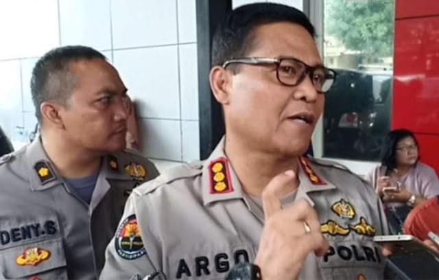 Polisi Ade Armando Fahira Idris