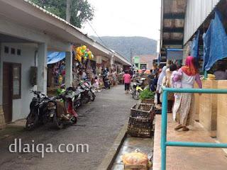 jalan tepi pasar