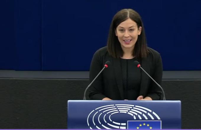 Cseh Katalin: megszavaztuk, elítéljük a magyar pedofil-ellenes törvényt