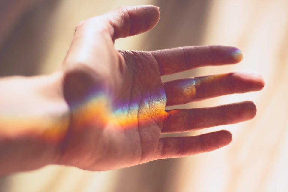 Kako vidjeti aure, kako vidjeti auru, how to see aura, indigo aura, sinestezija, autizam, indigo djeca, kristalna aura, plava aura, boje aura,  spiritologija, metafizika, nikola tesla