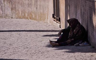 O que pode ser feito para ajudar pessoas em situação de rua durante a pandemia?