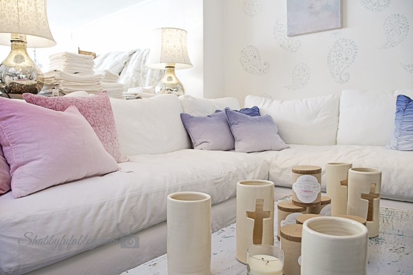 british sensibilities and shopping shabby chic. Black Bedroom Furniture Sets. Home Design Ideas