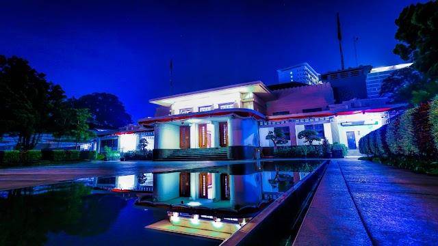 Balai Kota Bandung Dulunya Gudang Kopi, Apa Benar !!