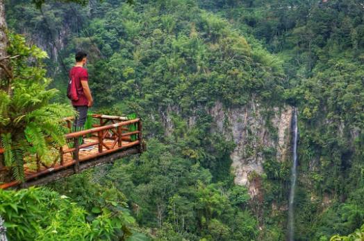 10 Air Terjun di Semarang dan Sekitarnya yang Penuh Pesona