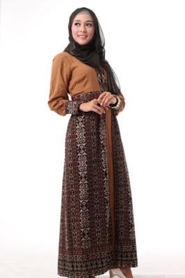 Contoh gamis batik kombinasi untuk remaja fashionable