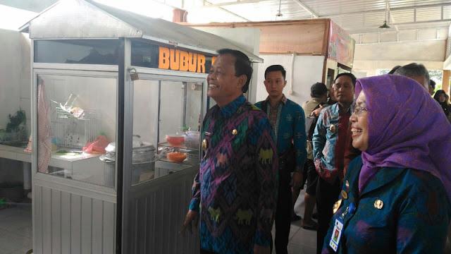 Pedagang di Area RSUD A. Yani Kota Metro Dilarang Jual Rokok
