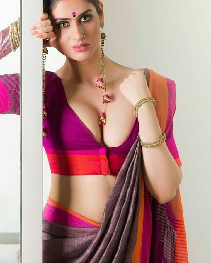 Bollywood Heroine Sexy Picture