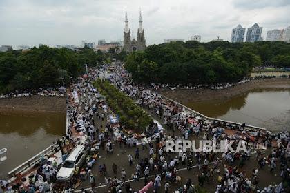 Gemuruh Lonceng dan Azan Istiqlal Ukir Kesyahduan Aksi 313