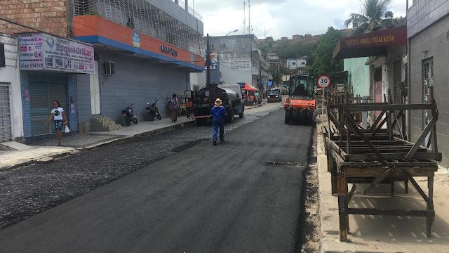 Prefeito de Ribeirão Marcello Maranhão, acompanha terceira etapa da cobertura asfáltica da cidade