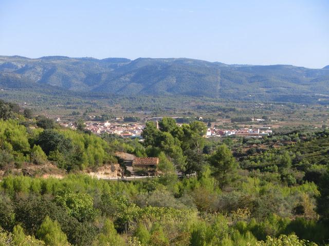 atzeneta del maestrat vista desde el puerto de montaña de atzeneta