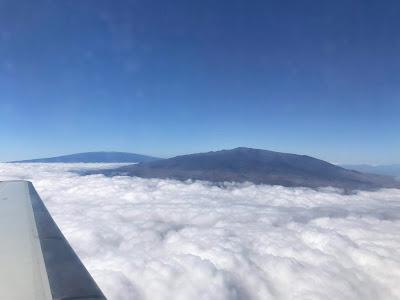 飛行機から見たマウナケア