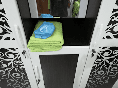 perlengkapan mandi disediakan untuk dua orang