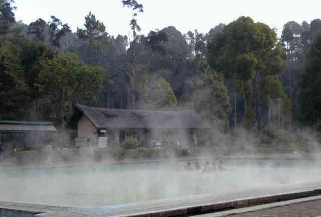 Wisata di Bandung Selatan Pemandian Air Panas Cimanggu