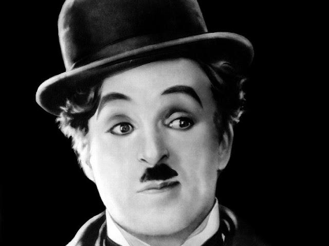 Charlie Chaplin Tokoh Dunia Pertama yang menginjakkan kaki di Candi Borobudur