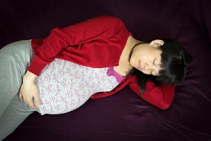 6 cara mengatasi kesulitan Tidur di malam hari saat hamil