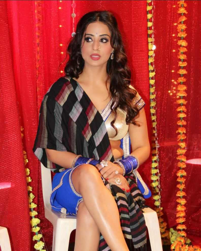Heroin Mahie Gill Pictures