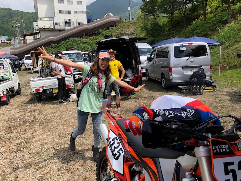 バイク工房岩月のバイク女子渚ちゃん