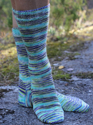 Enkle sokker i garn fra Vivid