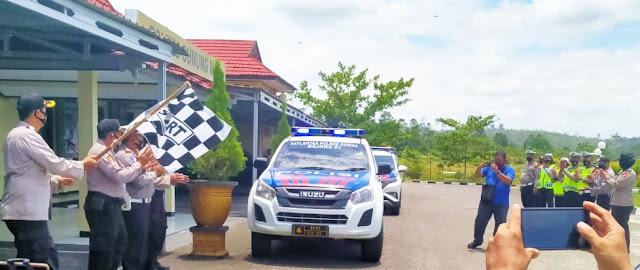 HUT Lalu Lintas ke-65, Satlantas Beri Sembako ke Tukang Ojek, Petugas Kebersihan dan Korban Laka Lantas