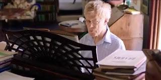 Scruton al pianoforte
