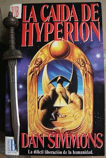 Portada del libro La caída de Hyperion, de Dan Simmons
