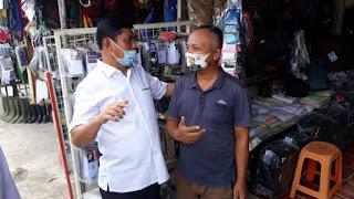 Blusukan dan Bagi Masker Di Pasar Tebing Tinggi Tanjabbar, Pedagang Puji Syafril